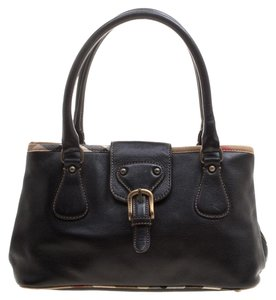 518c12cdee Burberry Bags and Purses on Sale - Up to 70% off at Tradesy