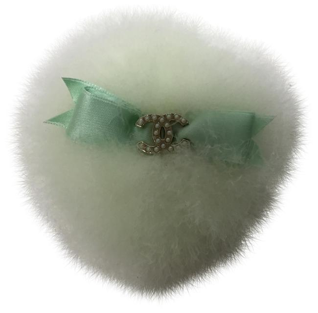 Item - Light Green Puffy Broche with Cc Pearl Logo