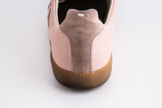 Maison Margiela Pink Replica Suede Leather Low-top Sneakers Shoes Maison Margiela Pink Replica Suede Leather Low-top Sneakers Shoes Image 10