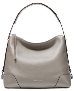 2a7f78fb36fe20 Michael Kors Shoulder Bags - Up to 70% off at Tradesy