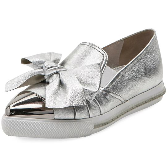 Preload https://img-static.tradesy.com/item/25309138/miu-miu-silver-metallic-leather-knot-bow-skate-sneaker-flats-size-eu-37-approx-us-7-regular-m-b-0-0-540-540.jpg