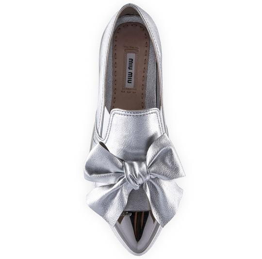 Miu Miu Made In Italy Luxury Skate Sneaker Knot Bow Pointed Toe Silver Flats Image 4