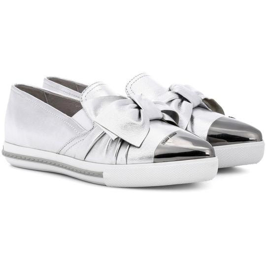 Miu Miu Made In Italy Luxury Skate Sneaker Knot Bow Pointed Toe Silver Flats Image 6