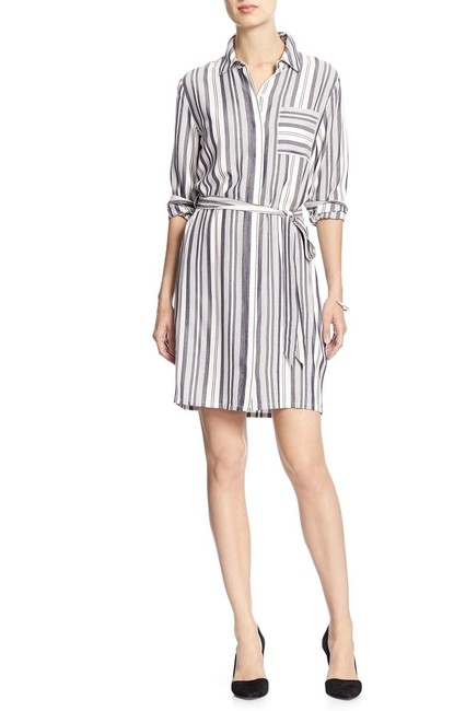 Item - White Gray Women's Factory Stripe Shirt New Mid-length Work/Office Dress Size 2 (XS)