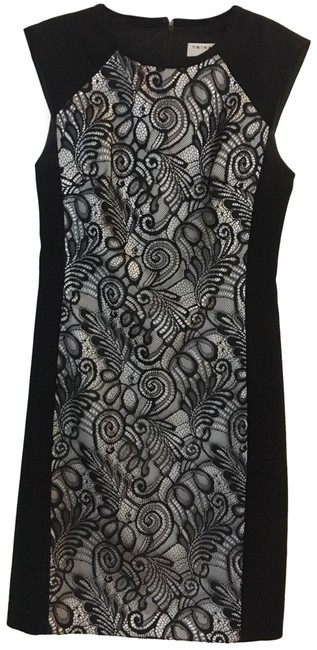 Item - Black and White Lace Patterned Mid-length Cocktail Dress Size 4 (S)