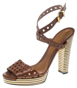7c8f650b1be9 Fendi Shoes on Sale - Up to 70% off at Tradesy