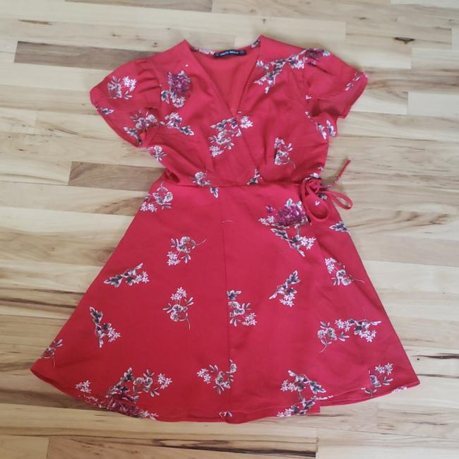 Preload https://img-static.tradesy.com/item/25313050/floral-red-short-cocktail-dress-size-0-xs-0-0-650-650.jpg