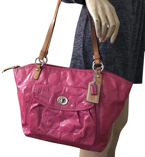 Preload https://img-static.tradesy.com/item/25314251/coach-leah-large-bright-signature-embossed-f1-pink-patent-leather-tote-0-3-540-540.jpg