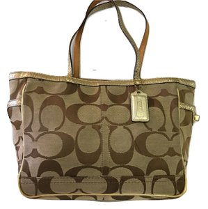Coach Tote in Khaki/Gold