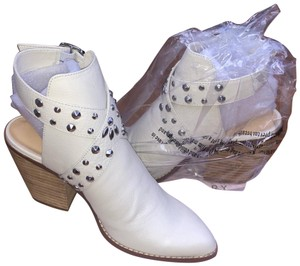 Chinese Laundry white Boots