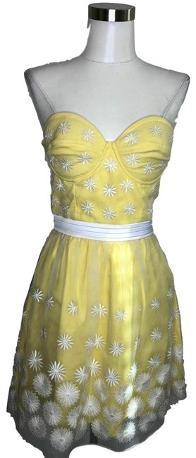 Item - Yellow White N51 New Designer Small Floral Strapless Short Night Out Dress Size 6 (S)