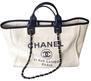 676ba41f3135 Chanel Tote in navy ivory