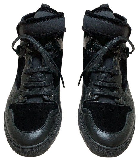 Preload https://img-static.tradesy.com/item/25318127/balenciaga-black-on-black-leather-and-velvet-sneakers-size-eu-38-approx-us-8-regular-m-b-0-4-540-540.jpg