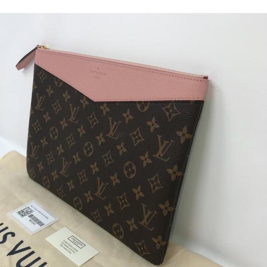 Louis Vuitton Daily Pouch Image 4