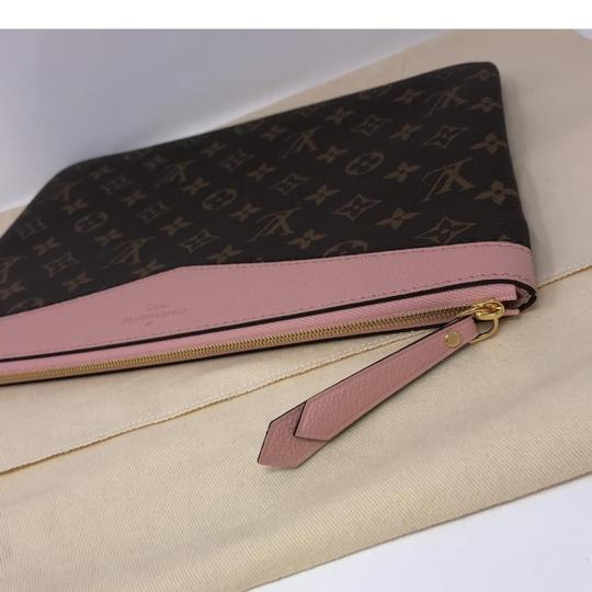 Louis Vuitton Daily Pouch Image 7