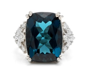 Other 13.70 Carats Natural LONDON BLUE TOPAZ and Diamond 14K White Gold Ring