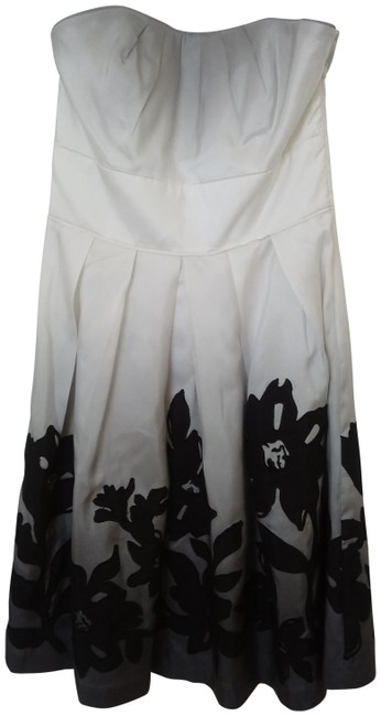 Preload https://img-static.tradesy.com/item/25318359/white-house-black-market-ivory-and-grey-silk-strapless-woth-applique-short-cocktail-dress-size-4-s-0-1-650-650.jpg