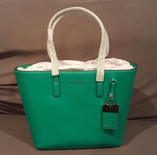 Marc Jacobs Tote in green, aloe Image 1