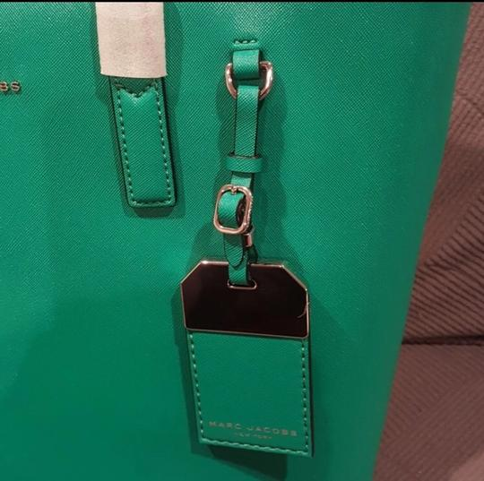 Marc Jacobs Tote in green, aloe Image 2