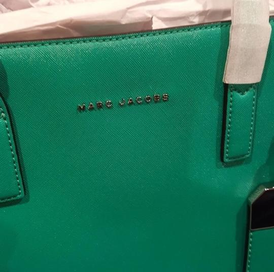 Marc Jacobs Tote in green, aloe Image 3