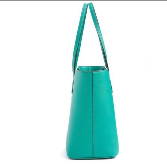 Marc Jacobs Tote in green, aloe Image 6