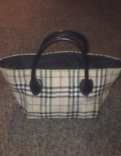 Burberry Tote in beige and black (Burberry signature design) Image 2