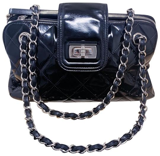 Preload https://img-static.tradesy.com/item/25318967/chanel-classic-flap-255-reissue-quilted-accordion-black-lambskin-leather-shoulder-bag-0-1-540-540.jpg