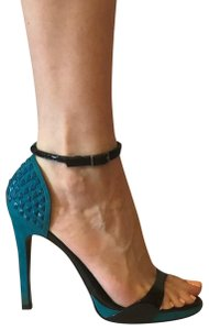 Seven7 light teal and black Pumps