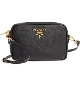 f4e3552657b6 Prada Crossbody Bags - Up to 70% off at Tradesy
