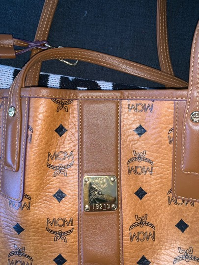 MCM Leather Reversible Tote in cognac Image 1