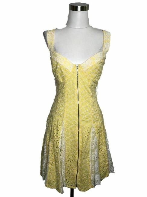 Preload https://img-static.tradesy.com/item/25322101/betsey-johnson-yellow-n67-designer-xl-white-floral-short-casual-dress-size-14-l-0-0-650-650.jpg