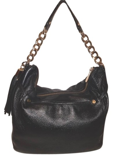 Preload https://img-static.tradesy.com/item/25323068/michael-kors-large-handbag-with-a-zipper-closure-black-leather-hobo-bag-0-1-540-540.jpg