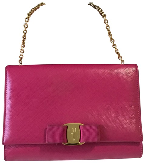 Preload https://img-static.tradesy.com/item/25323441/salvatore-ferragamo-pink-leather-cross-body-bag-0-1-540-540.jpg