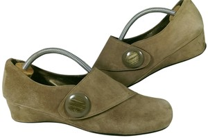 Ditto by VanEli Mule Velcro TAN BROWN Flats