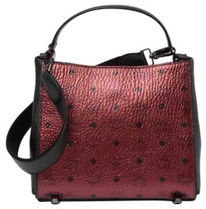 MCM Tote in Metallic Red