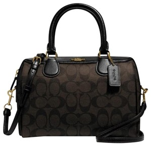 6d246c0813a6 Coach Bags and Purses on Sale - Up to 70% off at Tradesy