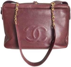 8c72c95e7c Red Chanel Messenger Bags - Up to 70% off at Tradesy