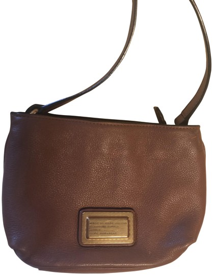 Preload https://img-static.tradesy.com/item/25328078/marc-by-marc-jacobs-brown-leather-cross-body-bag-0-1-540-540.jpg