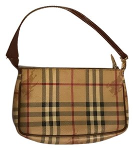 82ae4515bc0b Burberry Shoulder Bags - Up to 70% off at Tradesy