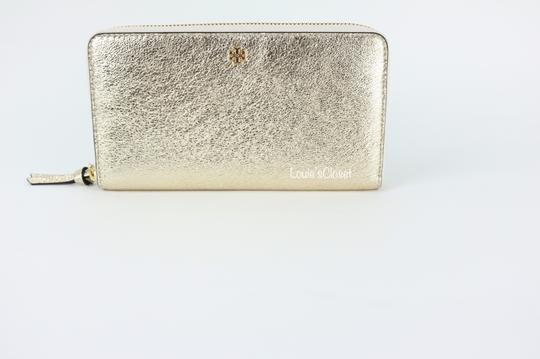 Tory Burch Crinkle Metallic Zip Continental Wallet Image 5