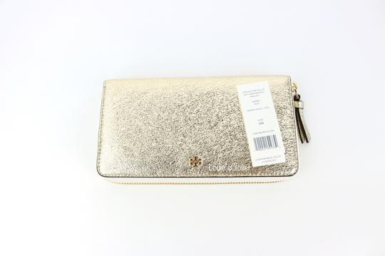 Tory Burch Crinkle Metallic Zip Continental Wallet Image 7