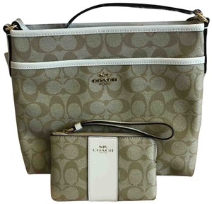 c74934589a2 Coach Bags and Purses on Sale - Up to 70% off at Tradesy (Page 4)