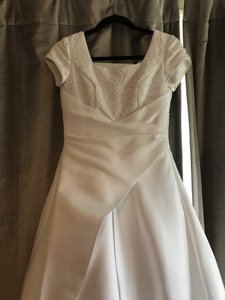 Mary's Bridal White Ivory Satin Cap Sleeve A-line Gown Modest Wedding Dress Size 0 (XS)