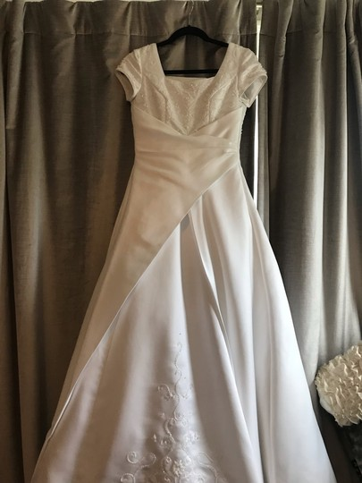 Mary's Bridal White Ivory Satin Cap Sleeve A-line Gown Modest Wedding Dress Size 0 (XS) Image 3