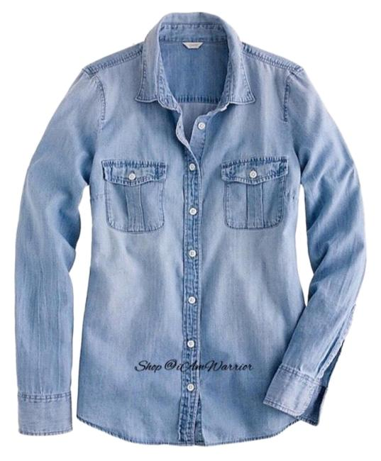 Preload https://img-static.tradesy.com/item/25329111/jcrew-blue-chambray-roll-up-shirt-button-down-top-size-6-s-0-3-650-650.jpg