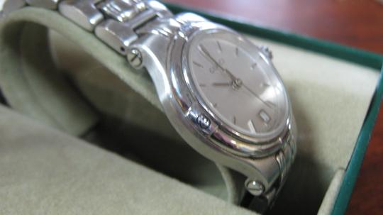 Gucci Women's Gucci Dress Watch Model Keeps Accurate Time Swiss Made Image 1