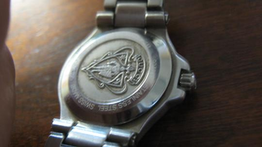 Gucci Women's Gucci Dress Watch Model Keeps Accurate Time Swiss Made Image 3