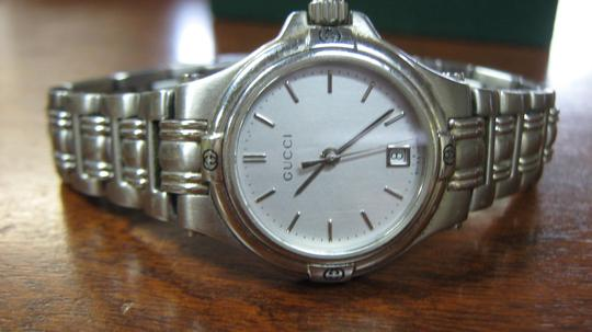 Gucci Women's Gucci Dress Watch Model Keeps Accurate Time Swiss Made Image 7