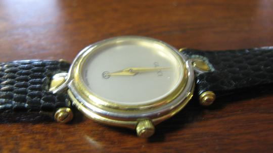 Gucci Women's Gucci Watch New Band Accurate Time Swiss Made Image 3