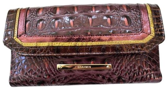Preload https://img-static.tradesy.com/item/25329994/brahmin-fig-chapelle-genuine-croc-embossed-leather-soft-checkbook-wallet-0-2-540-540.jpg